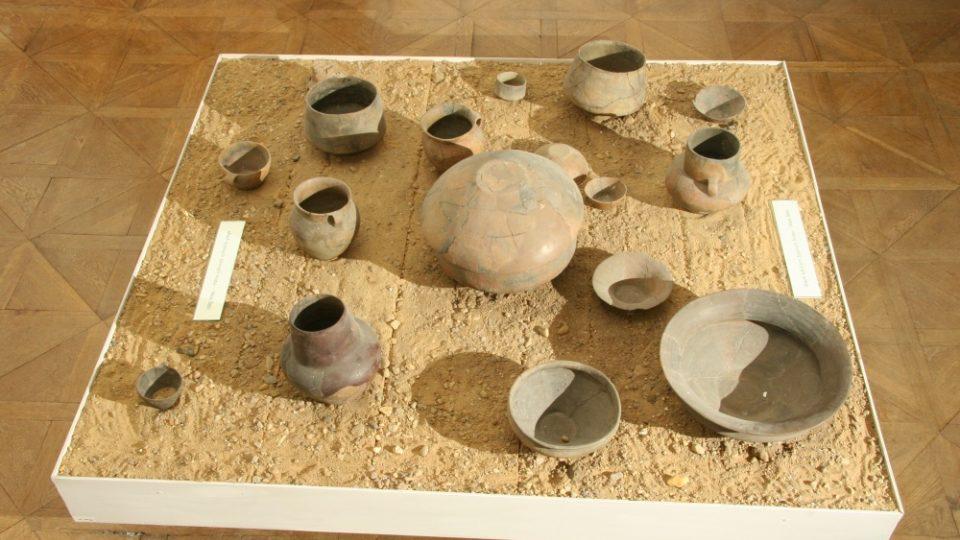 Obsah lužických žárových hrobů (Malá Bělá)