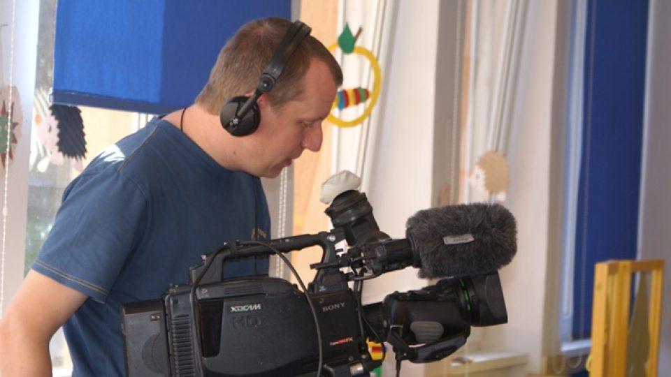 Kameramam z dvanáctičlenného týmu Ondřeje Kepky