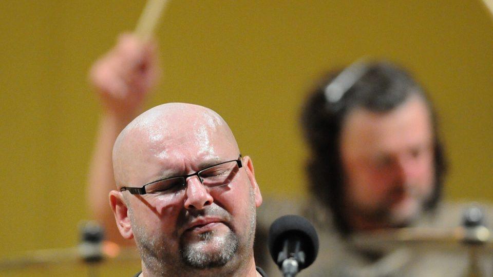 Radek Pastrňák, v pozadí Richard Kroczek