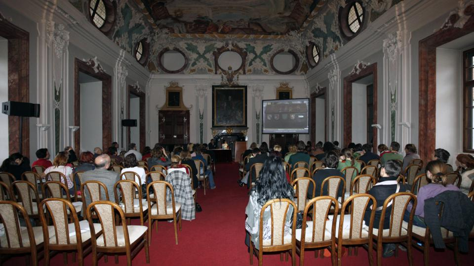 Mezioborová konference pořádaná laboratoří  ALMA v roce 2010, Břevnovský klášter v Praze