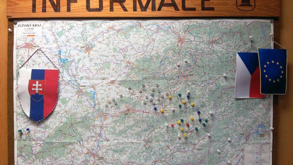 Informační tabule ve slovenské obci Pruské