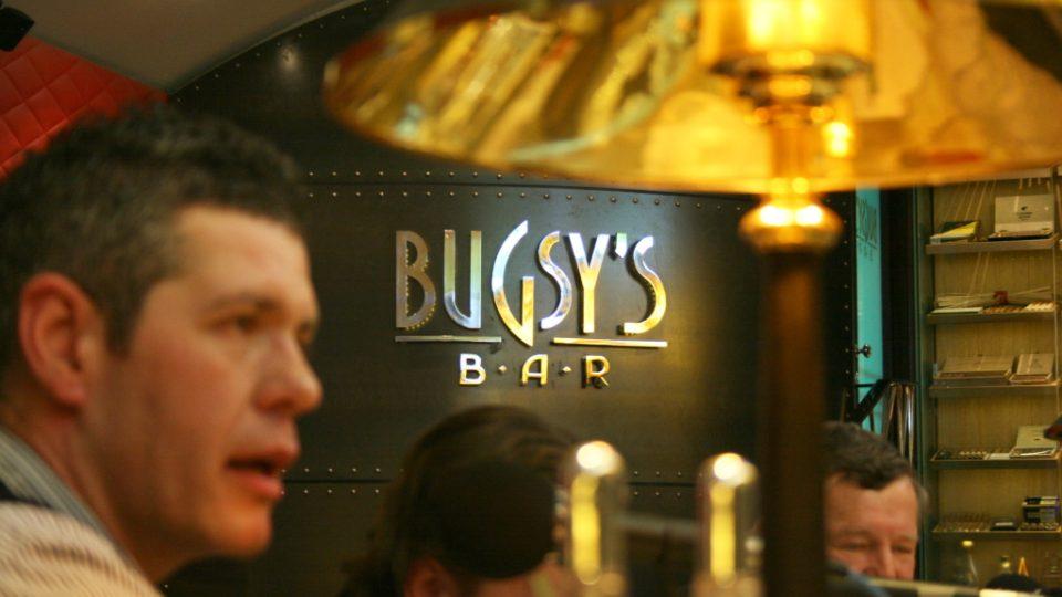 Silvestr s imitátory v Bugsy's Baru