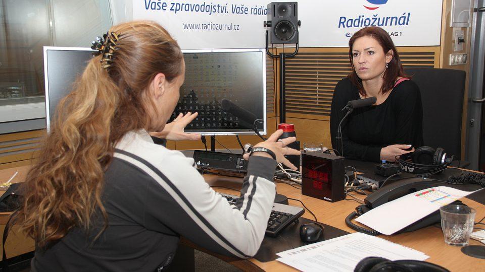 Hanka Kynychová v rozhovoru s Lucií Výbornou