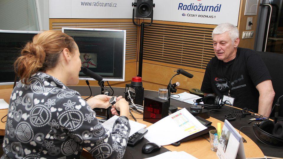 Lucie Výborná a Miroslav Jakeš ve studiu
