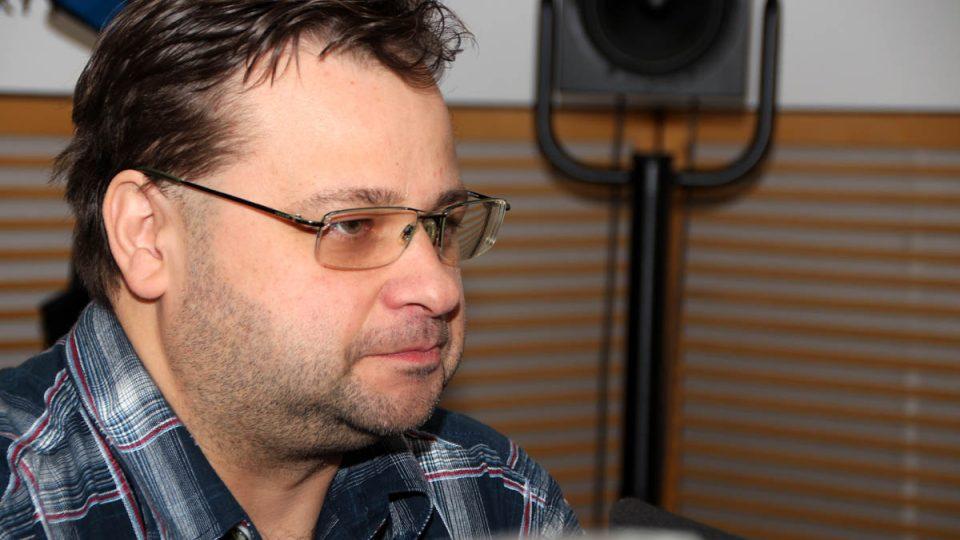 Vedoucí Štefánikovy hvězdárny Jakub Rozehnal popsal, z čeho je pravděpodobně složený asteroid, který dnes proletí nedaleko Země