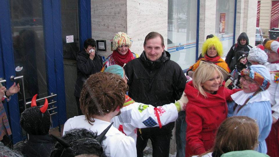 Masopustní průvod se zastavil u Českého rozhlasu Hradec Králové