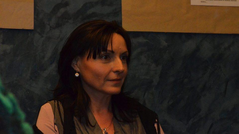 Dámský klub v Radioklubu Českého rozhlasu Hradec Králové - hosté manželé Vančurovi