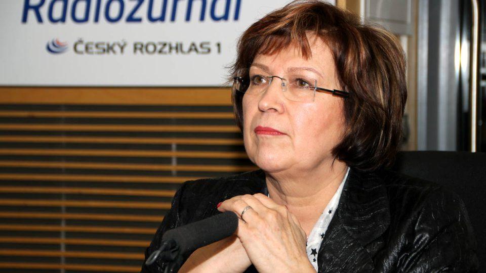 Ministryně práce a sociálních věcí Ludmila Müllerová mluvila o výplatách sociálních dávek pomocí sKaret