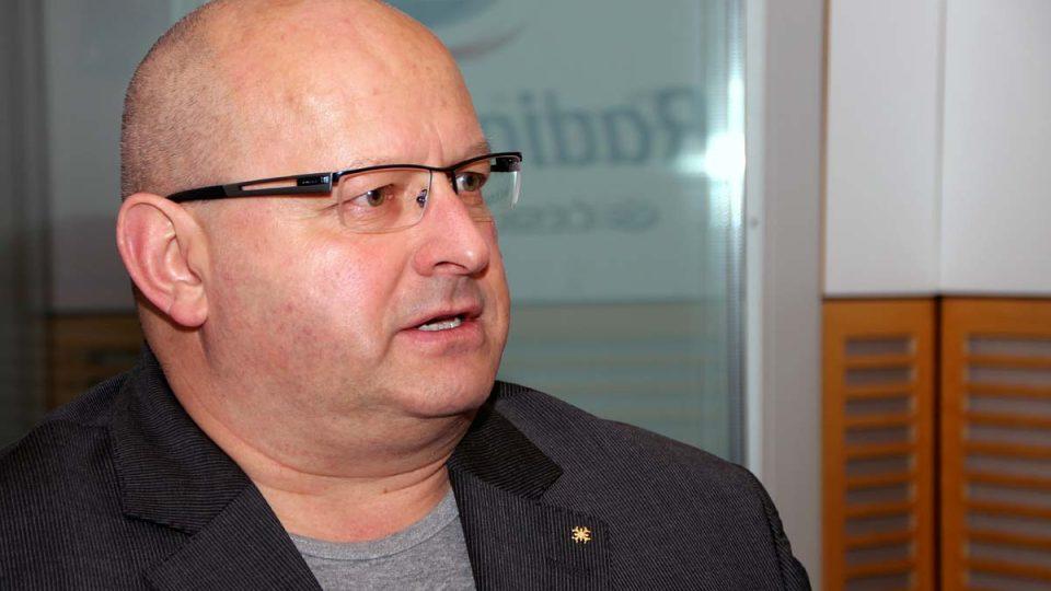 Bývalý vysoký úředník ministerstva obrany Jaroslav Štefec popsal, jaký by měl být ministr obrany