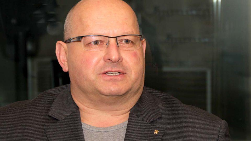 Armádní expert Jaroslav Štefec okomentoval fakt, že stále chybí ministr obrany