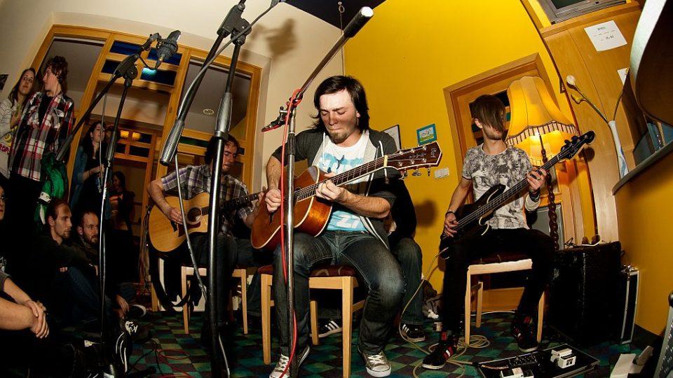 Broumovská kapela Imodium živě v Radioklubu Českého rozhlasu Hradec Králové