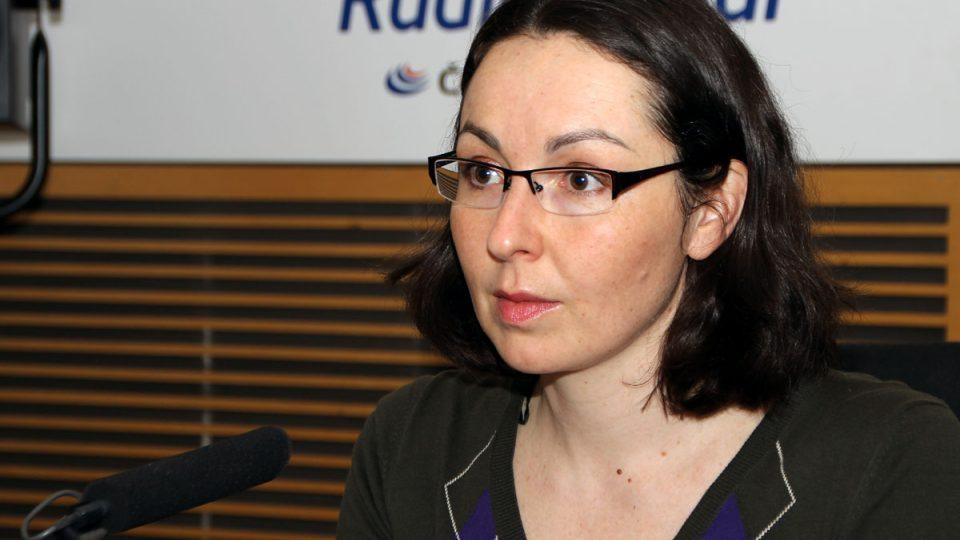 Krystynu Wanatowiczovou překvapilo, že dosud nevyšla žádná publikace o Miloši Havlovi. A tak ji napsala sama