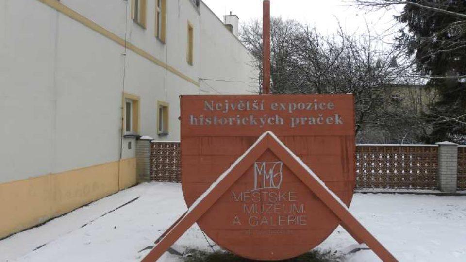 Svitavy - Muzeum vystavuje expozici historických praček