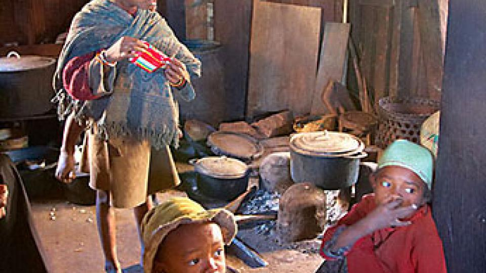 Na vanilkový ostrov Madagaskar za usměvavými lidmi - děti