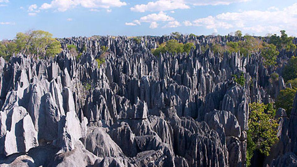 Na vanilkový ostrov Madagaskar za usměvavými lidmi - tsingy