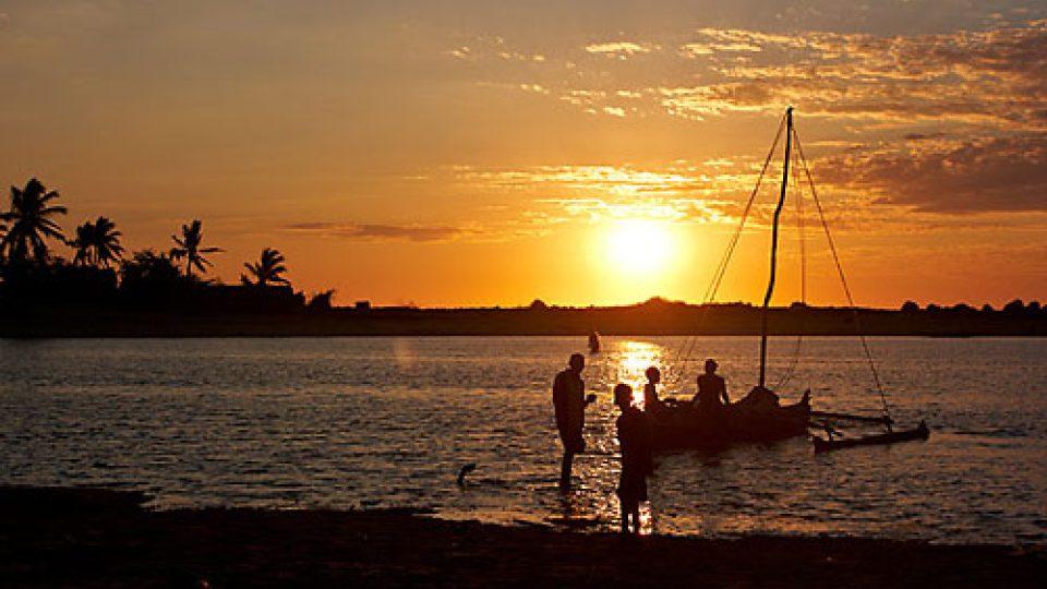 Na vanilkový ostrov Madagaskar za usměvavými lidmi - západ slunce