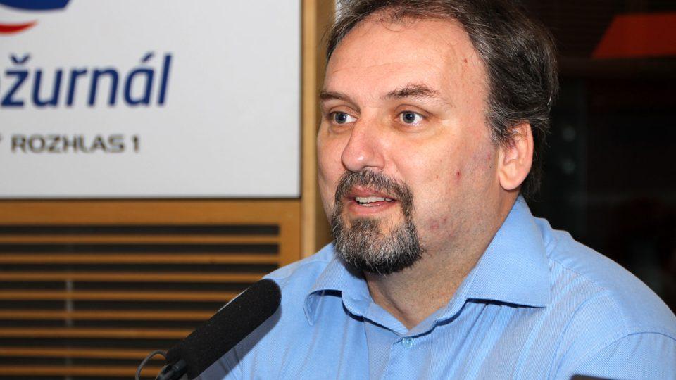 Pavel Havránek pomáhal lidem s evakuací v pražských Lahovicích