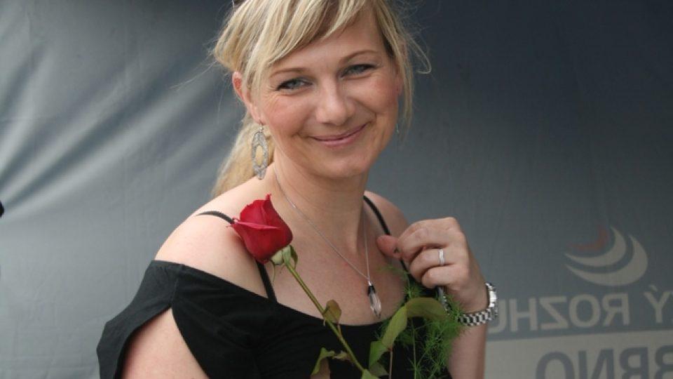 Moderátorka Petra Polzerová si vysloužila růži