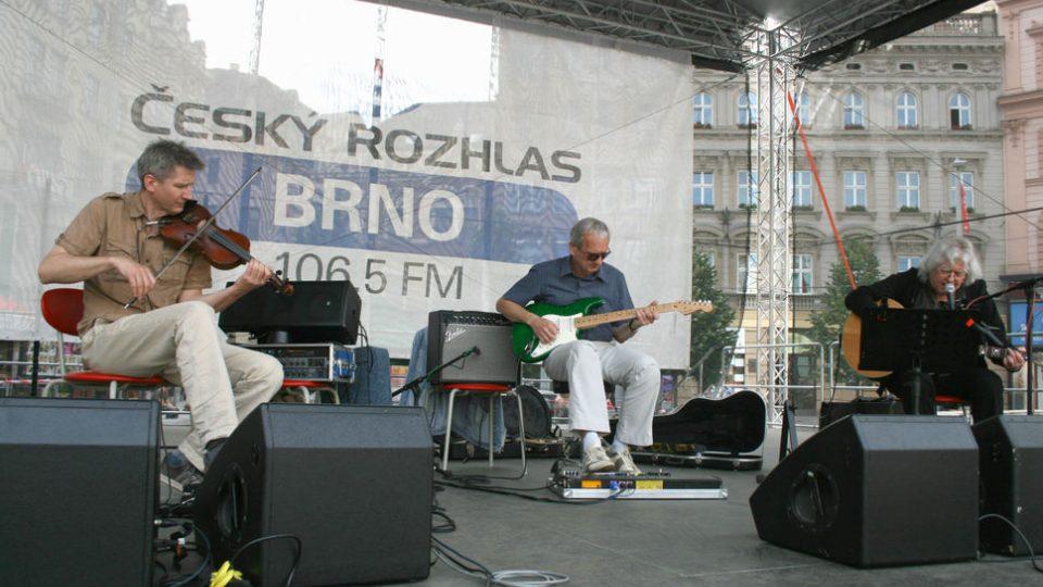 Trojice hudebníků: Vladimír Mišík, Vladimír Pavlíček a Petr Pokorný