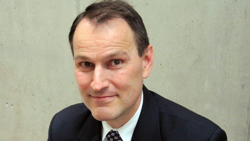 Erik Best, americký novinář, host pořadu Jak to vidí Dvojky