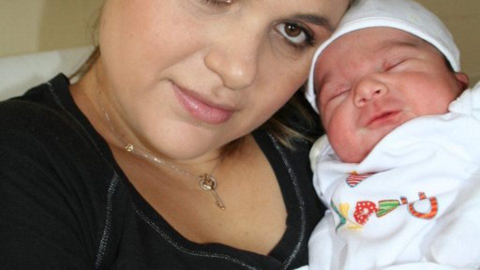 Maminka s novorozencem