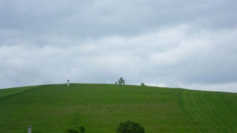 Pohled na Kalvárii při příjezdu do Nové Říše ve směru od Želetavy