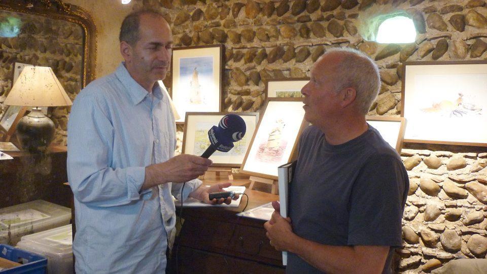 Jan Šmíd při rozhovoru s anglickým umělcem