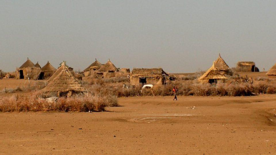 Andrea Kaucká a René Bauer - Súdán - Centralní Súdán - vesnice v polopoušti