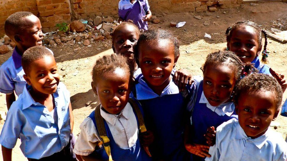 Andrea Kaucká a René Bauer - Súdán - Na cestě do školy