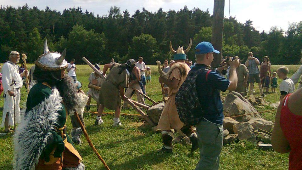 V Holašovicích letní slunovrat oslavili po keltsku