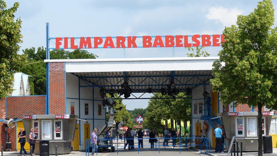 Filmový park na okraji Postupimi je dostupný příměstským vlakem z Berlína