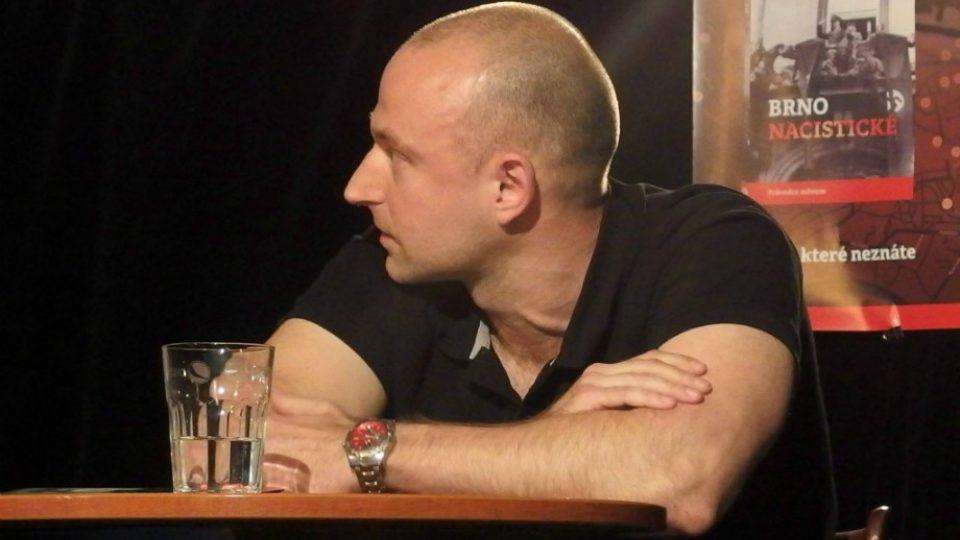 Jeden z autorů Alexandr Brummer
