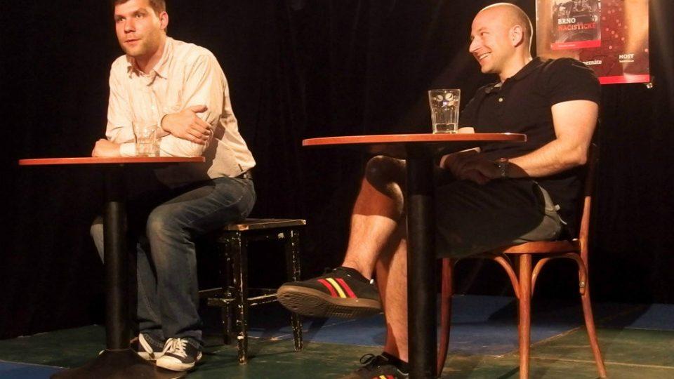 Michal Konečný a Alexandr Brummer v kavárně Trojka