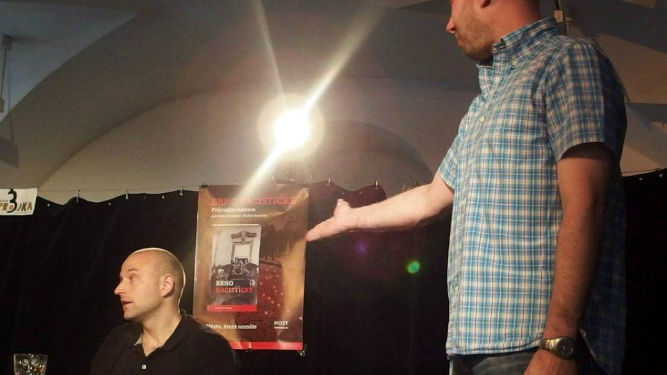 Miroslav Balaštík z nakladatelství Host uvádí knihu Brno nacistické