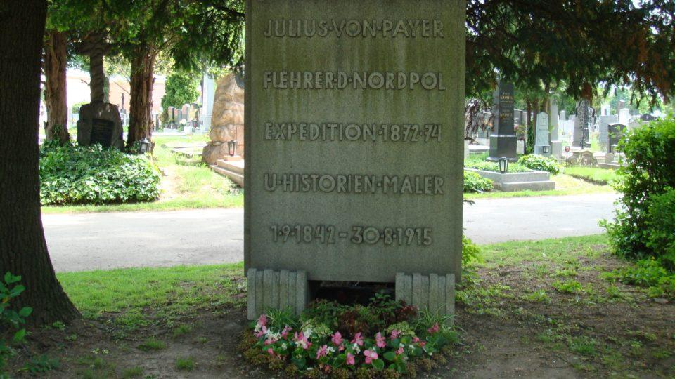 Hrob Julia Payera na vídeňském Centrálním hřbitově