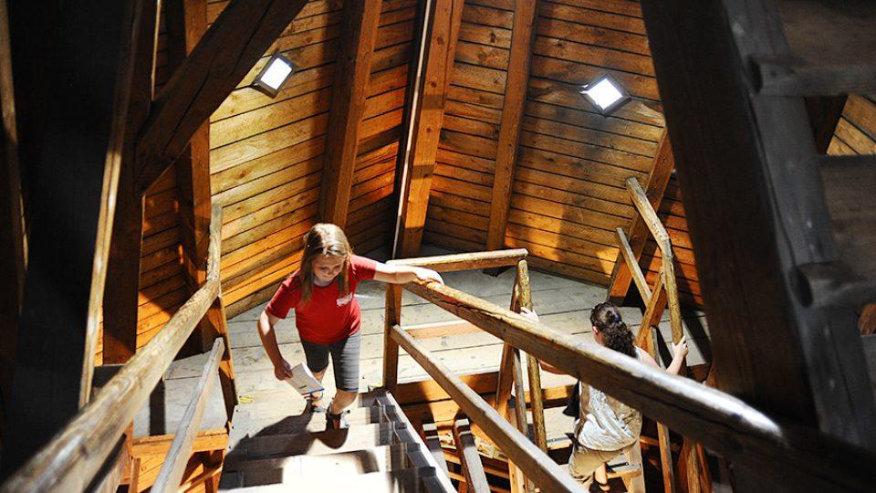 Interiér Rozálky je celý ze dřeva