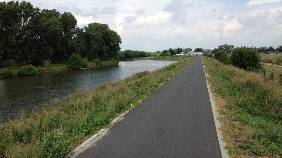 Cyklostezka podél Moravy