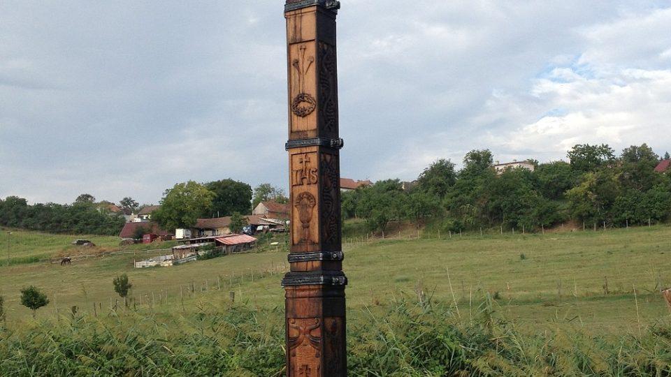 Kříž natíral Roman