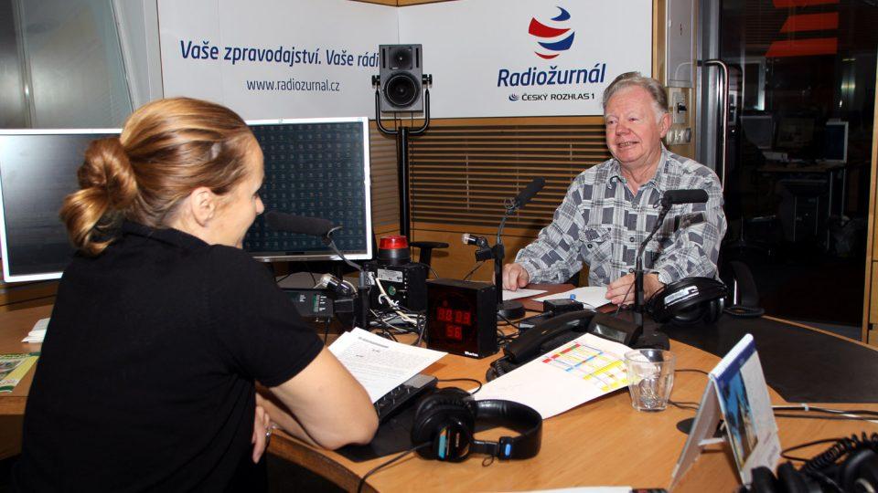 Mykolog Jiří Baier odpovídal na otázky moderátorky Lucie Výborné