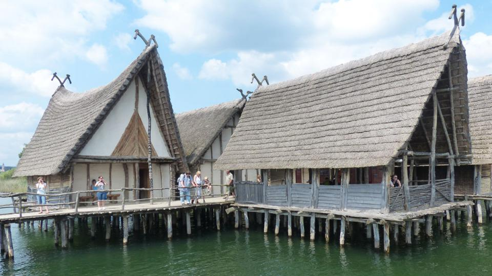 Takové stavby vznikaly všude po světě