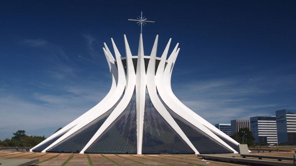 Niemayerova městská katedrála pro všechna náboženství