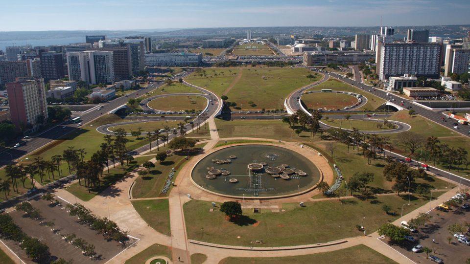 """""""Souměrné město"""" Brasília"""