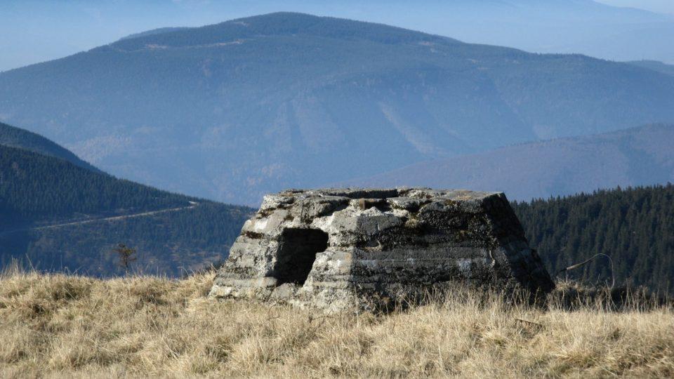 Vysoká Hole - základ pro radar Freya ze II. sv. války