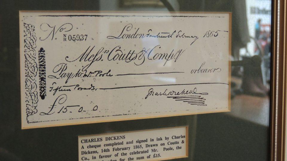 Charles Dickens tu šekem zaplatil vysokou částku 15 liber