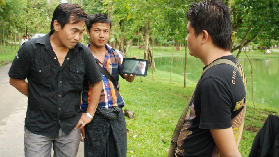 Nay Htet Lin se svým štábem