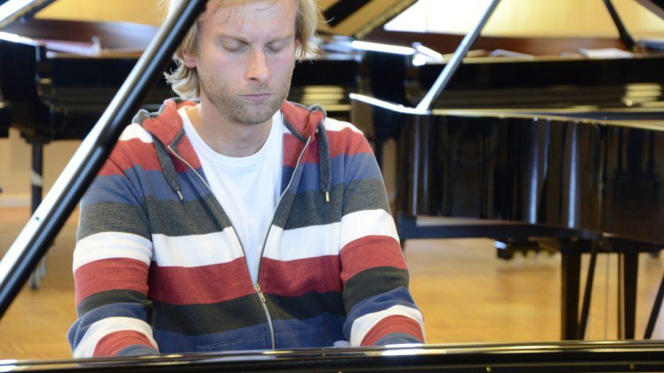 Ivo Kahánek - český klavírista, hudební pedagog HAMU