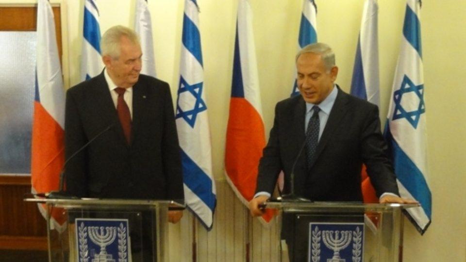 Návštěva Miloše Zemana v Izraeli. Na snímku český prezident a izraelský premiér Benjamin Netanjahu