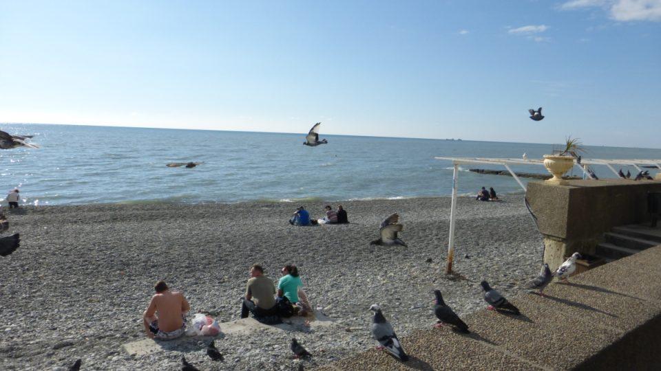 Posledních pár turistů na plážích
