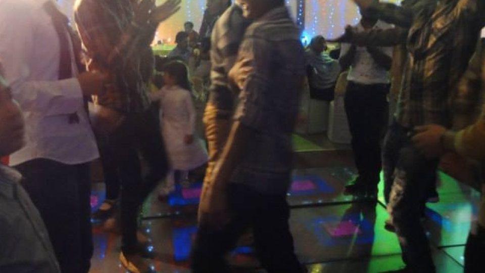 Diskotékový parket duní arabskou pop-music