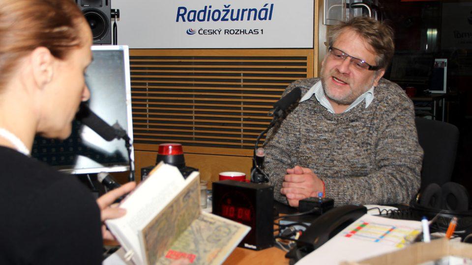 Josef Formánek odpovídal na otázky moderátorky Lucie Výborné